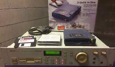 AKAI S2000 SAMPLER (CAMPIONATORE) +Iomega zip+ 2 disk zip +disck OS +cable scsi