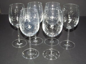 Elegant Set of 6 Wine Glasses Long Stemware Clear Leaf Design Pattern 8 Oz EUC