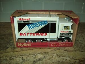 Nylint 1988 City Delivery Ford Motorcraft Batteries Box Truck 61104-5491 Diecast