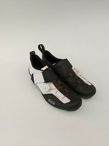 FIZIK Transiro Infinito R3 Triathlon Shoes - Black/White - SIZE UK 8 2/3 /EU 43