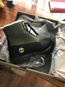 NWT Men's Size:9 Black And Green Sherpa Lined  Timberland Boot