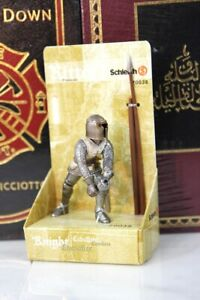 SCHLEICH KNIGHTS - TEUTONIC SOLDIER with PIKE 70038 -- RETIRED - NEW IN BOX