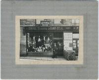 Puppenladen in New Mills, Derbyshire, England. Original-Photo von 1913