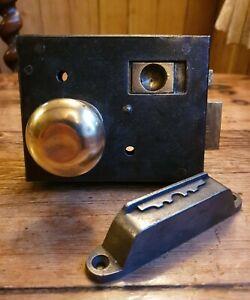 Victorian Bathroom Privacy Rim Lock with Keep & Brass Door Knobs. Universal fit.