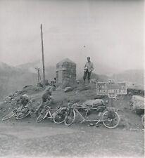 COL DE VARS c. 1950 - Cyclistes Vélo Tandem  Hautes-Alpes - Div 10610