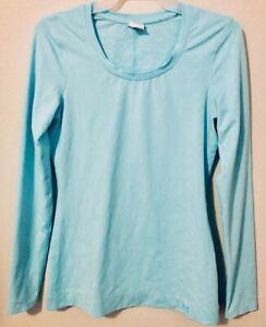 Under Armour Light Blue Long Sleeve Shirt Stretch Textured Fabric Gym Women's S