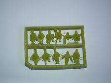 Hat 1/72 Scale WWII German Tank Riders & Crew. Model Kit - Contains 1 Spruce