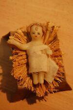 SUJET DE CRECHE DE NOEL - ENFANT JESUS EN CIRE-CHEVEUX bouclés-PAILLE/LIT CARTON
