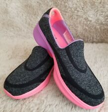 Skechers GO WALK 4 AWESOME OMBRES Girls Childrens Slip On Trainers Black/Multi