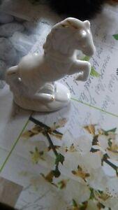 2Edle PORZELLAN PFERDE Hengst Skulptur Figur weiß Dekoration