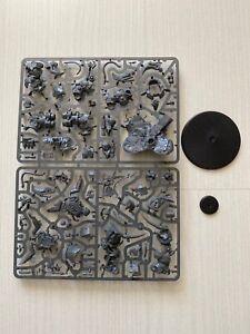 Warhammer 40k Ork Ghazghkull Thraka and Makari Brand new