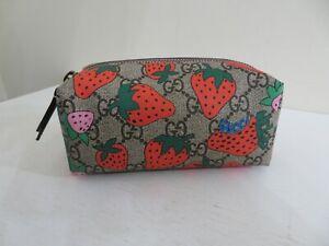 Gucci #576217 GG Supreme Strawberries Zip Cosmetic Case/Pouch NEW IN BOX