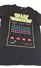"SPACE Invaders T Shirt Ufficiale Taito con licenza ascella 17"" collo a orlo 26"" EXC"