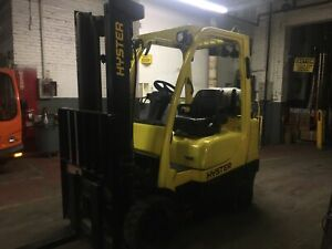 2015 Hyster 6000 Lb Forklift with 2 Stage mast and Side Shift