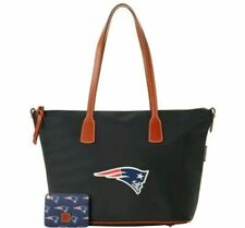 NEW ! NWT DOONEY & BOURKE NFL Patriots Top Zip Nylon Tote in Black