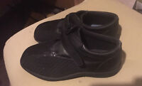 InStride VANESSA Black Therapeutic Shoes for Diabetic - 11 EW    11 Extra Wide