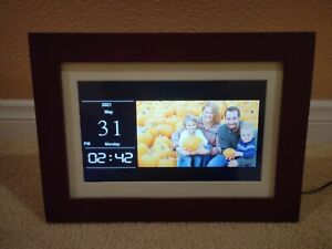 """Insignia Digital 10"""" Photo Frame IPS Panel With Power cord, Stand, and Remote."""