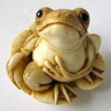 MPS Harmony Kingdom: QTs - Small Frog on Lily Pad Figurine - Inspired by Netsuke