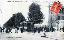CPA 94 KREMLIN BICETRE LA ROUTE DE FONTAINEBLEAU ET LA STATION DES TRAMWAYS (TRA