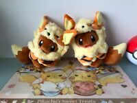 Pokemon Center Giappone Okinawa 2 Set Eevee Evoli Arcanine Arkani Poncho Peluche