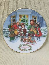 Perfect Harmony Christmas 1991 Plate Avon Collection Trimmed 22 Kt Gold Carolers