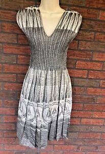 Max Edition Metallic Fit & Flare Dress Small V-Neck Sleeveless Elastic Waist