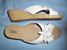 VALLEY LANE White Faux Leather Floral Slides Sandals 7.5 Wide NEW!