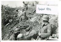 WW 2 Russland Feldzug am 18.08. im Schützengraben bei Shelezmica 26. Inf.- Div.