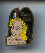 RARE PINS PIN'S .. FILLE SEXY GIRL PIN UP / ELECTIONS MISS ALSACE #1O