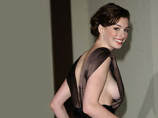 Anne Hathaway Unsigned 8x10 Photo (8)