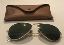 Vintage Ray Ban Aviator sunglasses With Case Look
