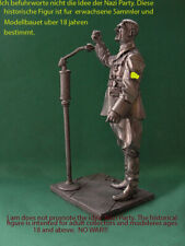 TIN SOLDIERS WW2 90mm german party leader