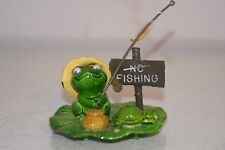 Aquarium Toad With No Fishing Sign Approx 8 x 7 x 6 cms