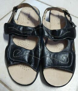 15 - LEATHER WOMENS MG  SANDALS BLACK ADJUSTABLE SIZE 8