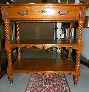 19th Century three-tiered shelf oak small server buffet kitchen/Dining