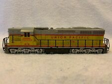 Atlas #7002 HO Scale Union Pacific SD24 DC Diesel Locomotive #416