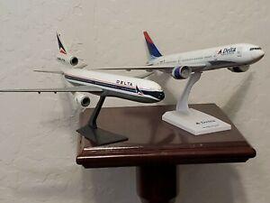 "2 Delta Airlines  Desktop Model Planes 12"""