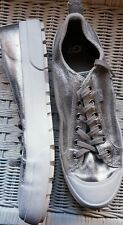UGG Women's size 9AU ARIES Fashion Platform Sneakers / Shoes.