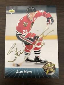 1992-93 Upper Deck #46 Stan Mikita  Chicago Black Hawks Signed / Autograph
