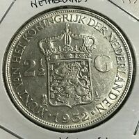 1932 NETHERLANDS SILVER 2 1/2 GULDEN NEAR UNCIRCULATED BIG CROWN