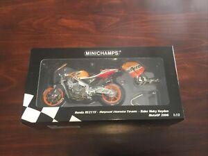 Minichamps - 1:12 Nicky Hayden Honda RC211V - 2006 MotoGP World Champion