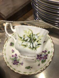 bellissima tazza da the in porcellana inglese con fiori mughetti e violette