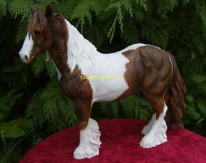 New Leonardo Large Skewbald Brown and White Gypsy Cob Horse Ornament Figurine