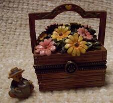 Boyds Treasure Box, Mrs. Gardenbeary'S Flowerbox Of Friendship, Rare 2011 Fob