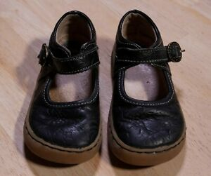 Livie and Luca size 8 shoes black
