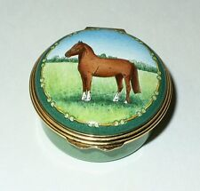 HALCYON DAYS ENGLISH ENAMEL BOX - RACE HORSE IN A MEADOW - EQUESTRIAN - RIDING