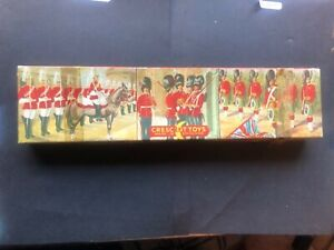 Vintage toy lead soldiers by crescent, in original box, c1948/55