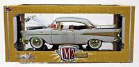 M2 Machines 1957 Chevrolet Bel Air Hardtop Chase Auto-Thentics #40300 15-13 1:24