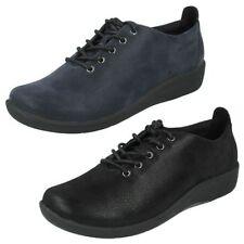 Zapatos planos de mujer textiles Clarks color principal negro