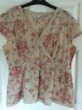 ladies M&Co summer Blouse/Top size 18 beige with pink floral pattern